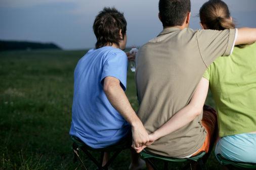 孩子出轨_女方出轨离婚孩子归谁_老婆出轨离婚老公和孩子怎么办