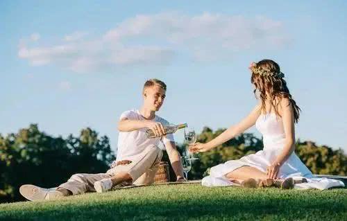 十年婚姻老婆出轨了_婚姻出轨了_临界婚姻第几集出轨了